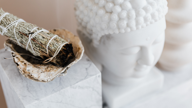 Beginner's Guide to Smudging